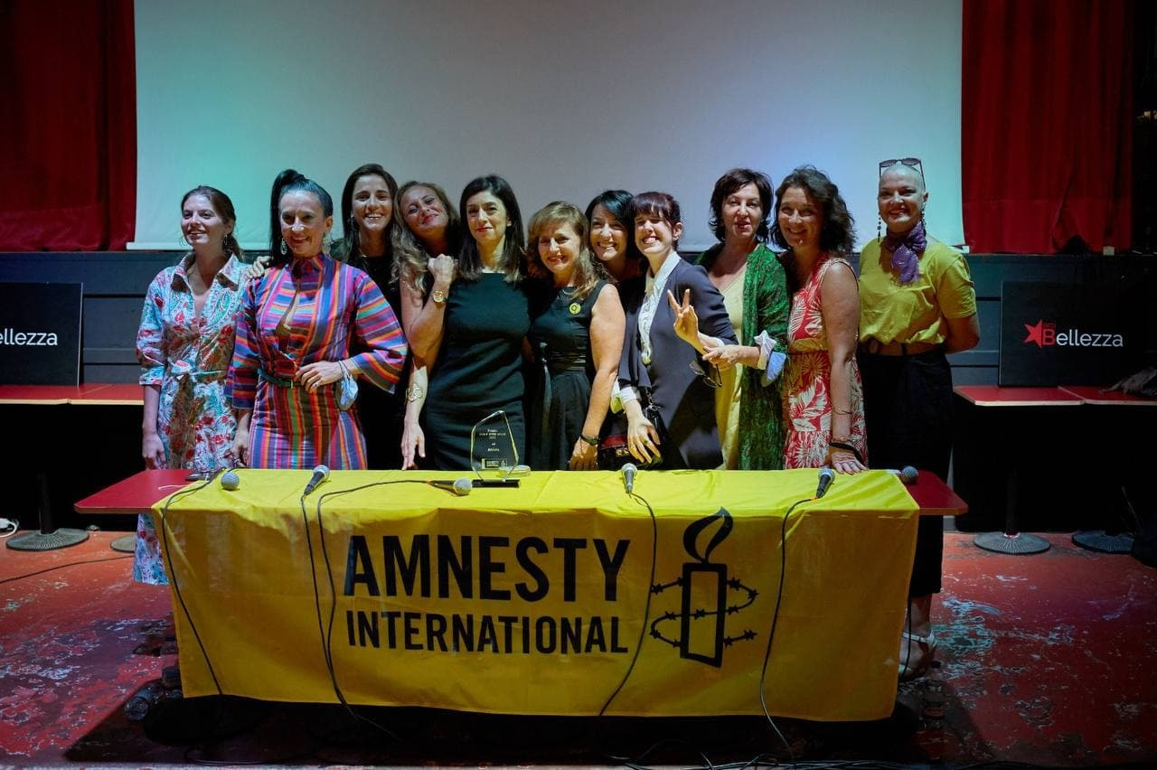 Amnesty International premia Amleta